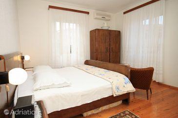 Komiža, Bedroom u smještaju tipa room, dostupna klima i WIFI.