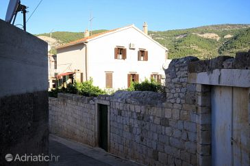 Property Komiža (Vis) - Accommodation 8940 - Apartments and Rooms near sea with pebble beach.