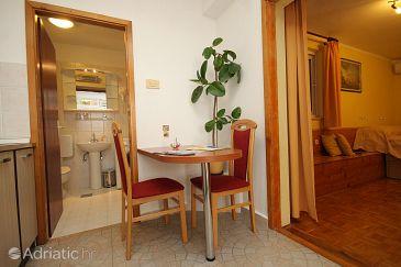 Cavtat, Dining room u smještaju tipa studio-apartment, WIFI.