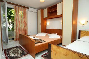 Room S-9128-g - Apartments and Rooms Makarska (Makarska) - 9128