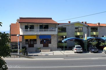 Property Makarska (Makarska) - Accommodation 9128 - Apartments and Rooms with pebble beach.