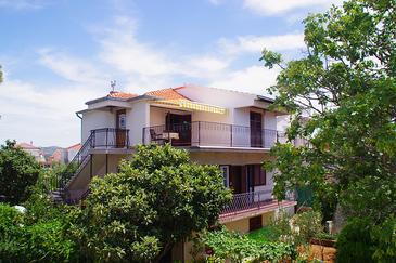 Property Jadrija (Šibenik) - Accommodation 918 - Apartments near sea with pebble beach.