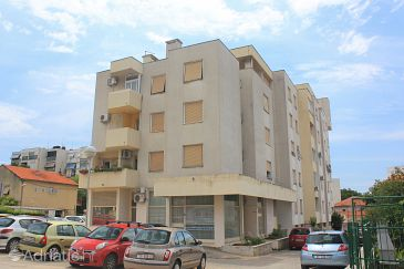 Property Split (Split) - Accommodation 9198 - Apartments with sandy beach.