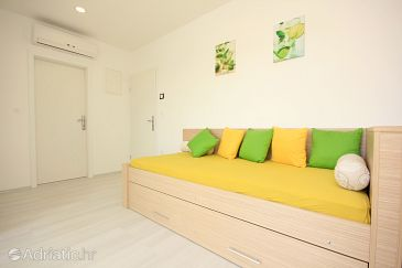 Apartment A-9205-a - Apartments Grebaštica (Šibenik) - 9205
