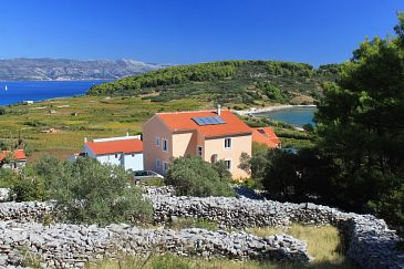 Property Lumbarda (Korčula) - Accommodation 9271 - Apartments with sandy beach.