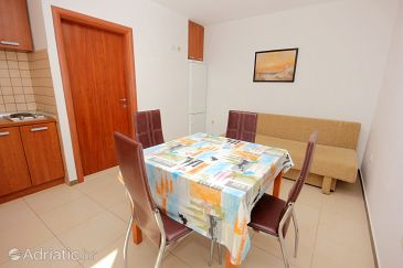 Mandre, Dining room u smještaju tipa apartment, dostupna klima.