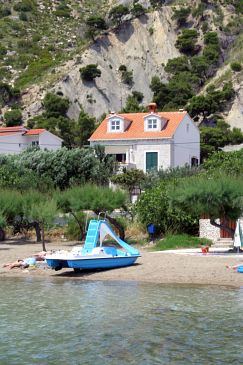 Property Duće (Omiš) - Accommodation 943 - Apartments near sea with sandy beach.