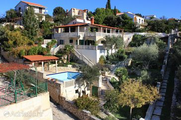 Property Uvala Ljubljeva (Trogir) - Accommodation 9431 - Vacation Rentals near sea with pebble beach.