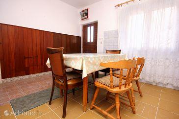 Marina, Dining room u smještaju tipa apartment.