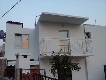 Property Pisak (Omiš) - Accommodation 9456 - Apartments near sea with pebble beach.