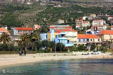 Property Podstrana (Split) - Accommodation 9466 - Vacation Rentals near sea with pebble beach.