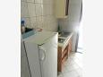 Kitchen - Apartment A-9674-a - Apartments Brist (Makarska) - 9674
