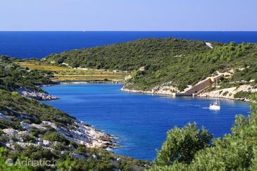 Uvala Parja na otoku Vis (Srednja Dalmacija)