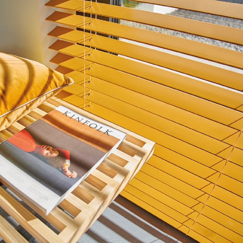 Yellow custom colour blind