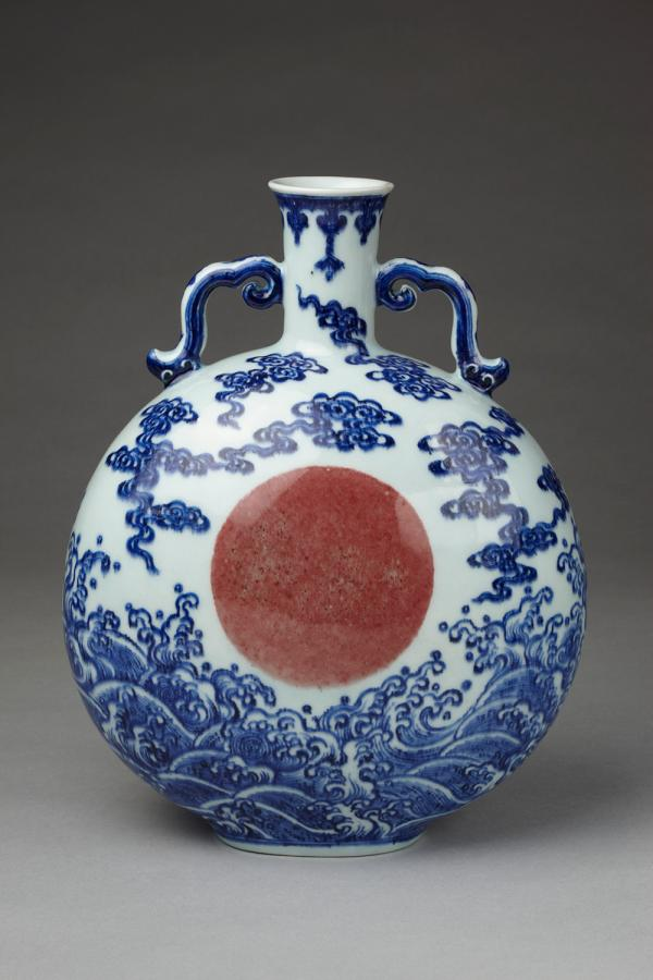 Vase, unknown maker, China, 18th Century. Museum no. FE.57-1982. © Victoria and Albert Museum, London.