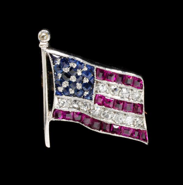 American Flag Brooch, unknown maker, USA, 1940 - 1945. Museum no. M.218-2007. © Victoria and Albert Museum, London.