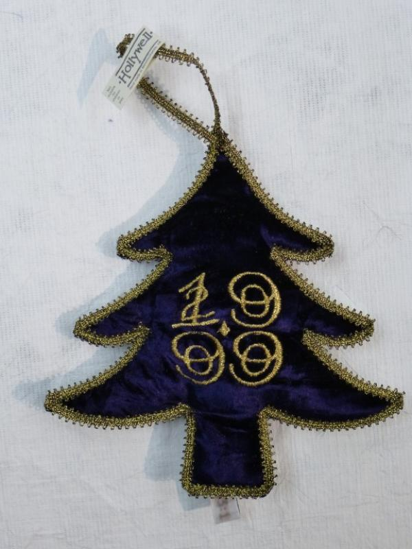 Christmas tree decoration, crushed velvet, Holywell Designs, Monmouthshire, museum no. T.23:1-2000  Victoria and Albert Museum, London