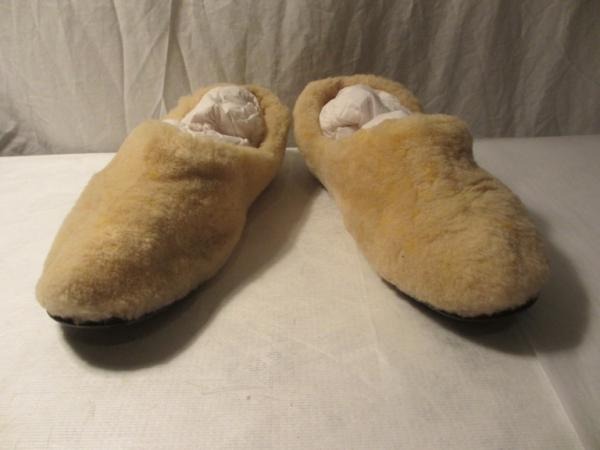 Sheepskin slippers, 1950s, part of Edward James collection, museum no. T.104:1,2-1993 © Victoria & Albert Museum, London