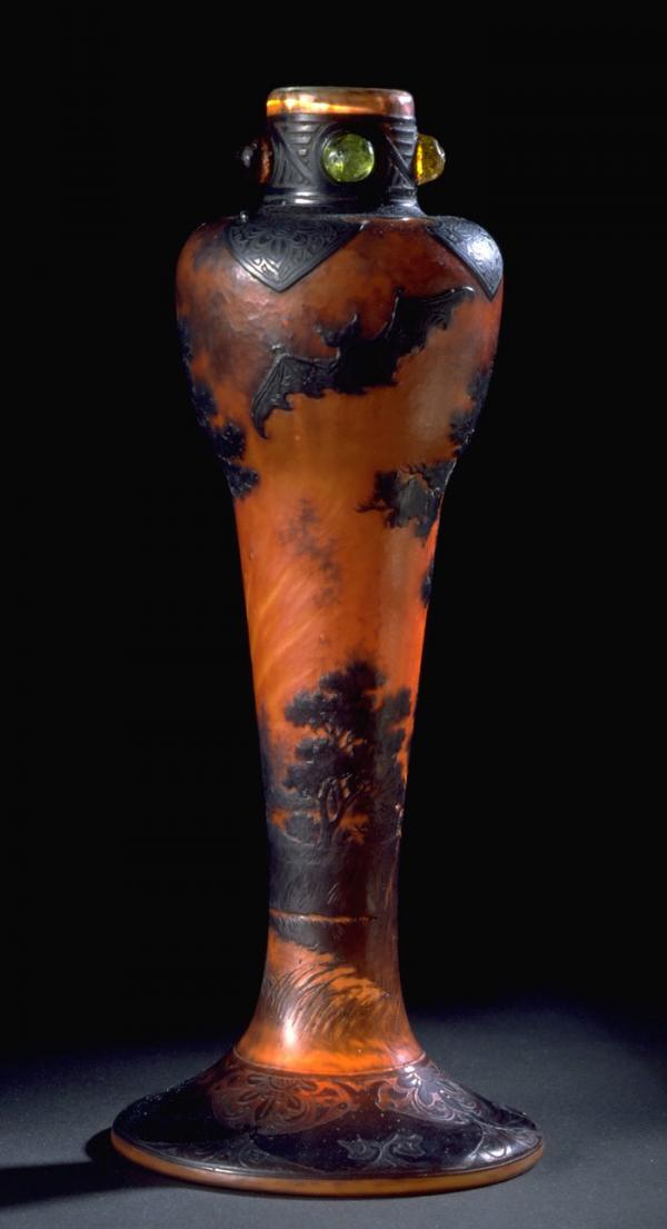 Vase, Emile Gallé, about 1904. Museum no. C.53-1992. © Victoria and Albert Museum, London