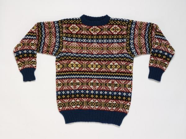 Knitted jumper, Annie Thomson, Scotland, 1997, museum no. T.77-1997 © Victoria & Albert Museum, London