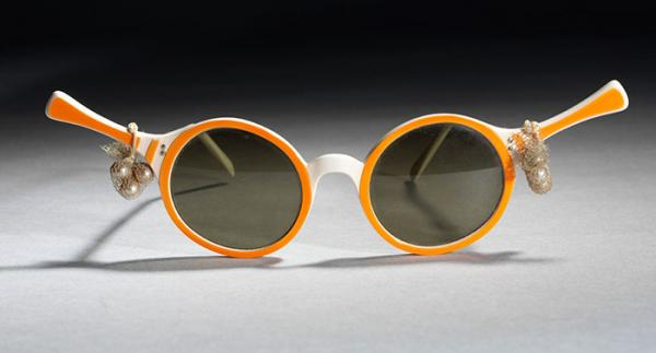 Tennis Rackets Sunglasses, Oliver Goldsmith Eyewear, 1956, Museum no. T.243E-1990. © Victoria and Albert Museum, London