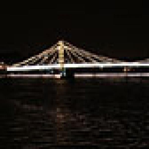 Albert Bridge and River Thames at night - Click to enlarge.