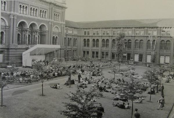 Jacques Orchestra concert in the Quadrangle, 1950