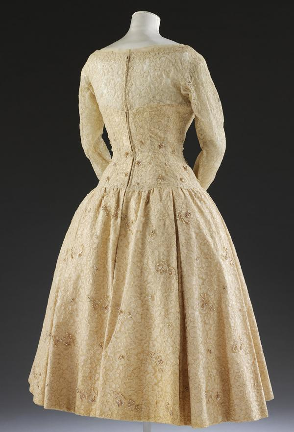 Back view of the dress. © Victoria and Albert Museum, London