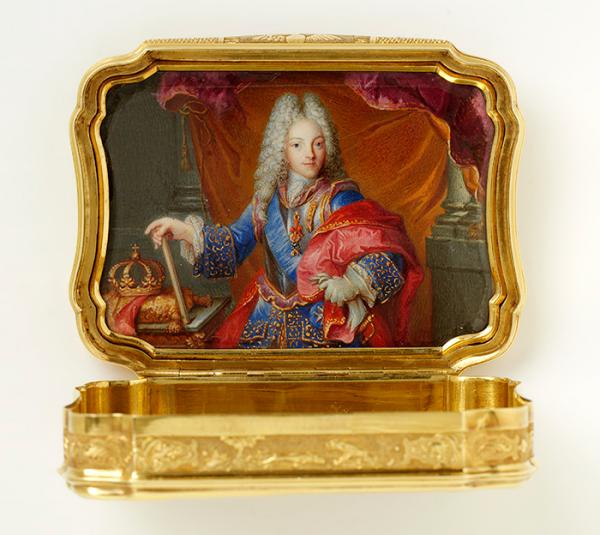Snuffbox, unknown maker, 1714. Museum no: LOAN:GILBERT.314-2008. © Victoria and Albert Museum, London.
