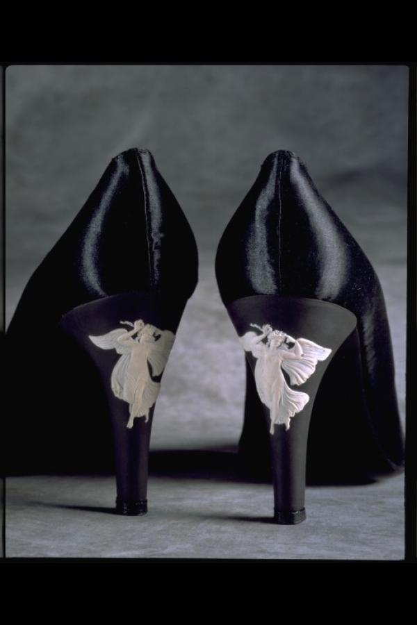 Pair of evening shoes, black silk satin with porcelain angels, Rayne and Wedgwood, Great Britain, 1960s © Victoria & Albert Museum, London