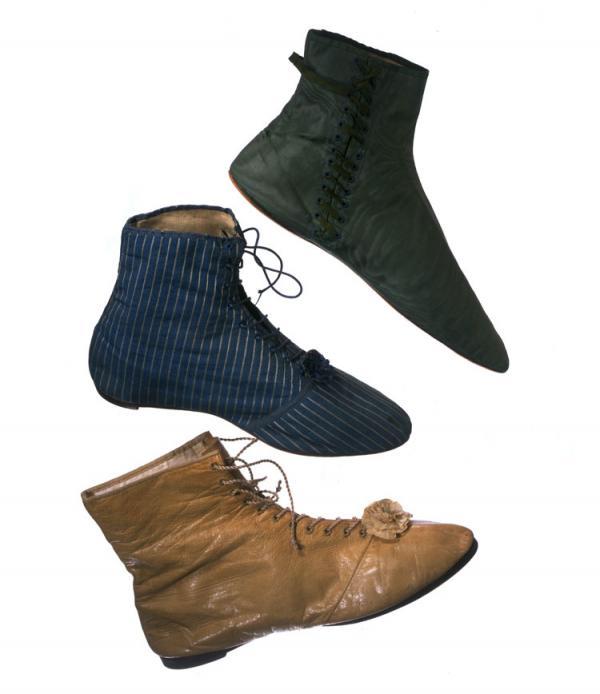 Women's boots, 1812 - 1830. Museum no. T.517-1913, T.435-197, T.509-1913