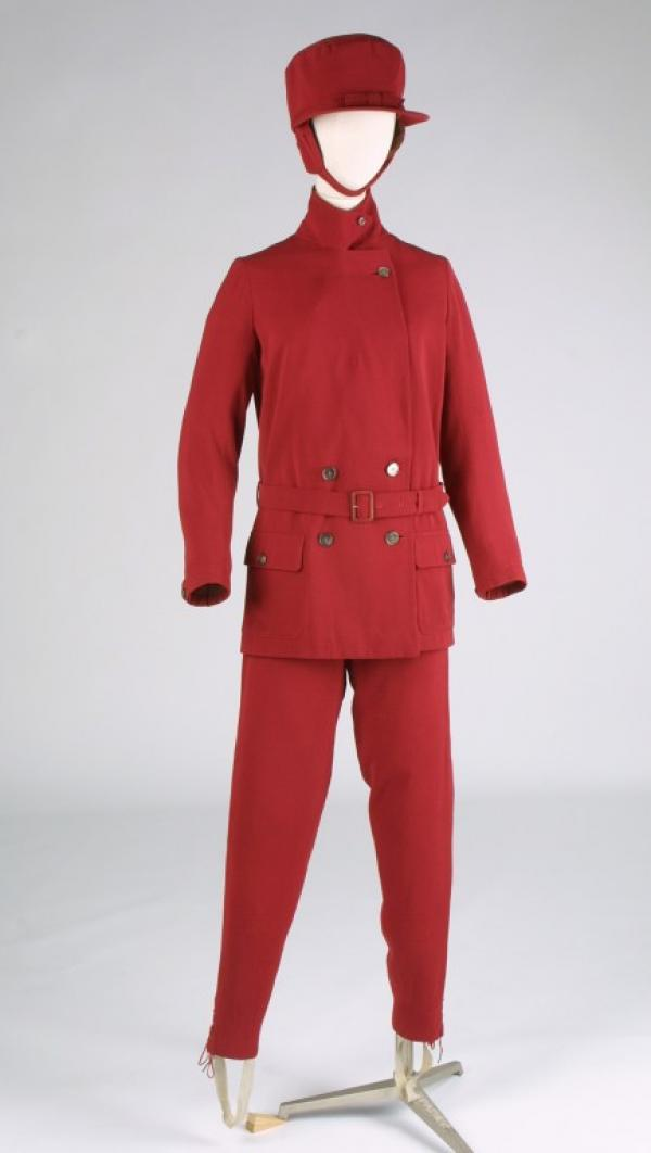 Ski suit ensemble, Burberry, Great Britain, ca. 1929, museum no. T.308&A to F-1978, © Victoria & Albert Museum, London