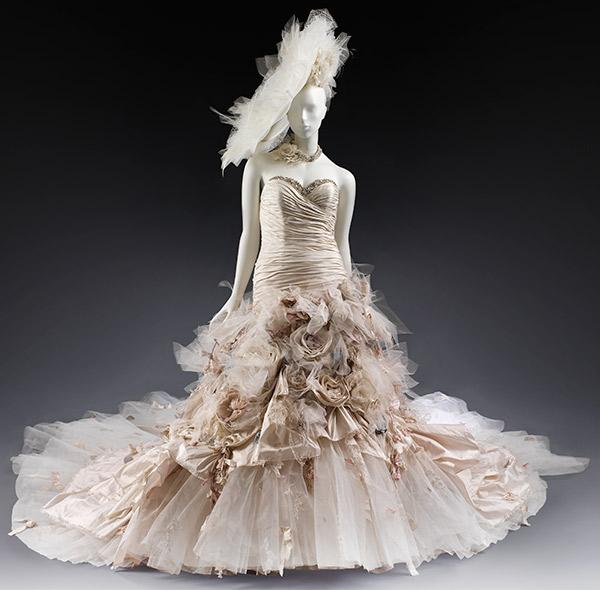Ian Stuart's 'Flowerbomb' dress, 2011. © Victoria and Albert Museum, London