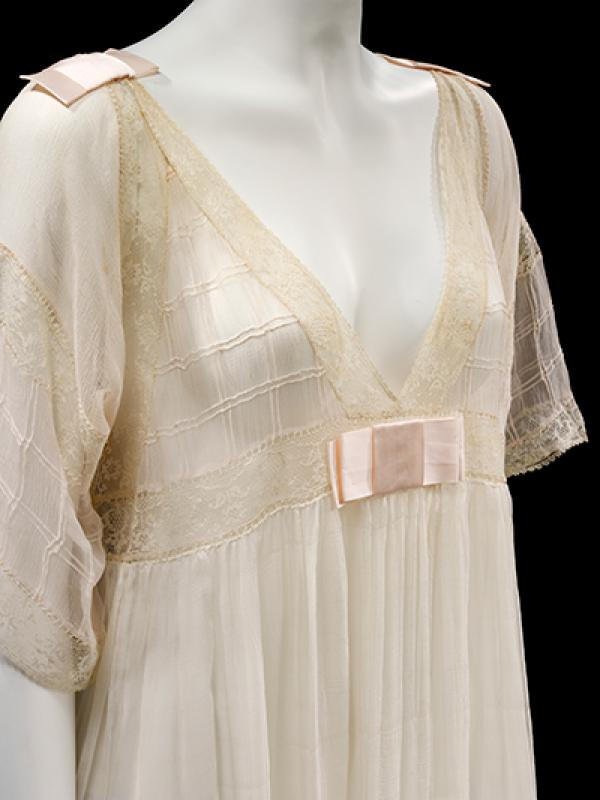 Lucile nightdress, 1913 © V&A Collection