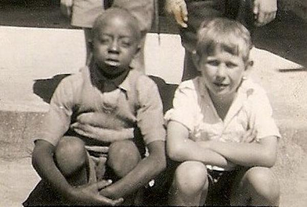 Cliffie and Ian, Cape Town, about 1948. © Ian Rakoff