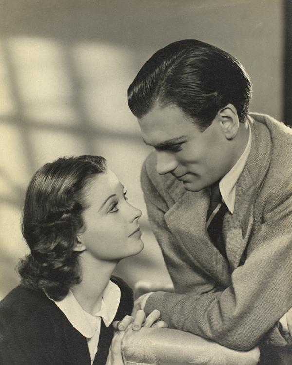 Vivien Leigh and Laurence Olivier. © Victoria and Albert Museum, London.