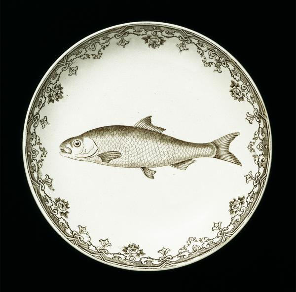 Plate, Close & Co., 1850 - 1864. Museum no. 2561-1901. © Victoria and Albert Museum, London.