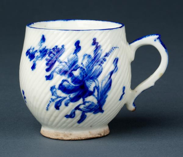 Gravy cup, François Hébert's porcelain factory, 1755, Paris. Museum no. C.511-1909, © Victoria and Albert Museum, London