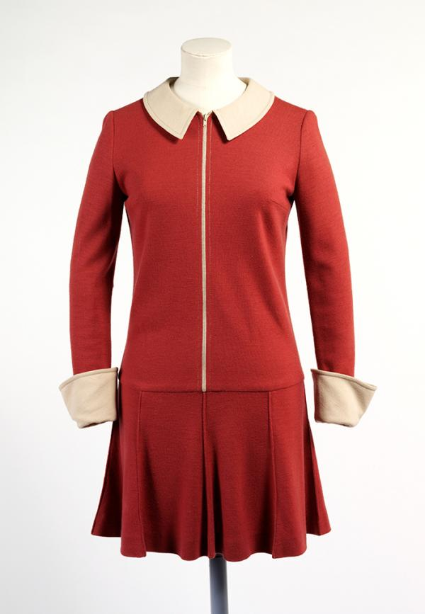 Dress, Mary Quant, 1964. Museum no. T.352-1974. © Victoria and Albert Museum, London.