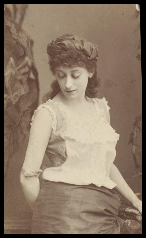 Sepia photograph of Kate Vaughan as Morgiana in The Forty Thieves