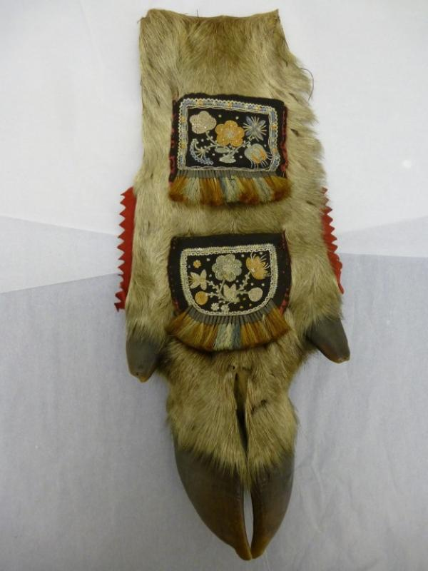 Paper rack, moose or elk hoof with embroidered velvet, Native American, 1800-1875, museum no. AP.335&A-1875, © Victoria and Albert Museum, London