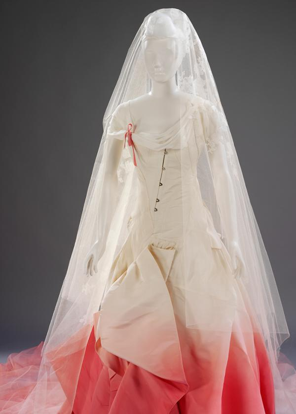 Wedding dress worn by Gwen Stefani when she married Gavin Rossdale in 2002. ©Victoria and Albert Museum, London.