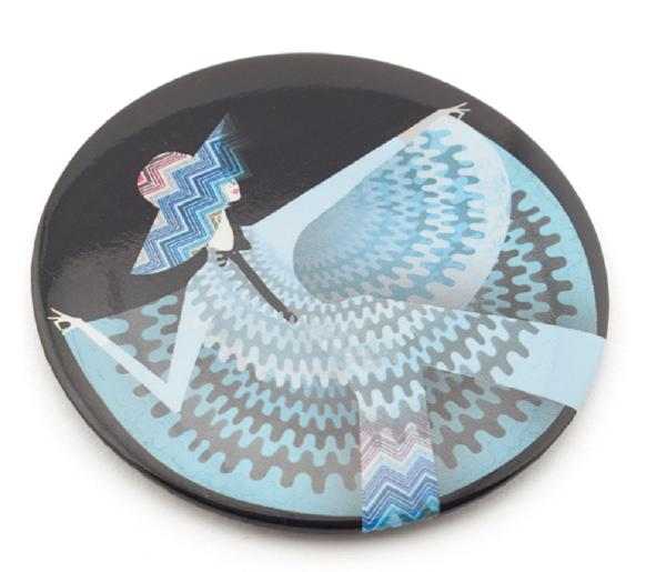 V&A '70s Fashion Pocket Mirror by Lesley Barnes. © Victoria and Albert Museum, London