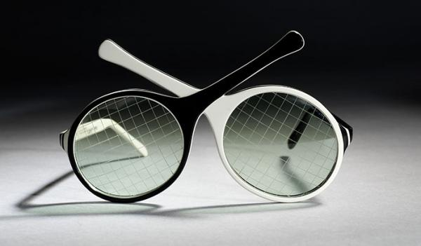 Tennis Rackets Sunglasses, Oliver Goldsmith Eyewear, 1985, Museum no. T.245A-1990. © Victoria and Albert Museum, London