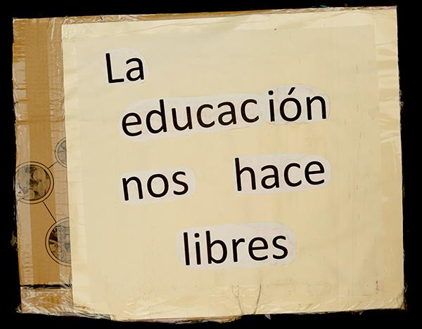 """EDUCATION MAKES US FREE"". Archivo 15M. CC"