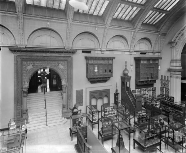 Gallery 48 showing the Gwalior Gateway, The West Hall, 1920