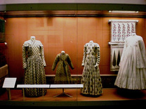 V&A, Nehru Gallery, South Asian clothing,