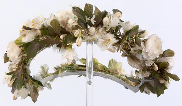 Imitation orange blossom wreath from the wedding of Elizabeth Wroughton Richards to the Reverend Andrew Nugee 1854. Copyright V&A Collection