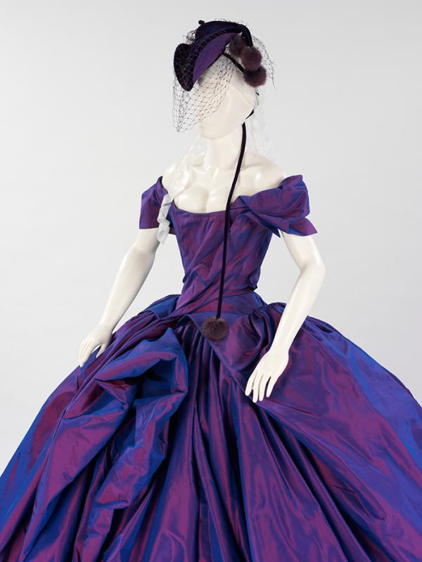 The finished mannequin with the garment in place. © Victoria and Albert Museum, London
