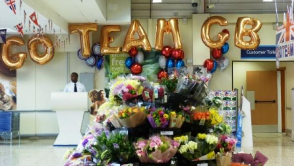 'Go Team GB' in balloons at a florist stand
